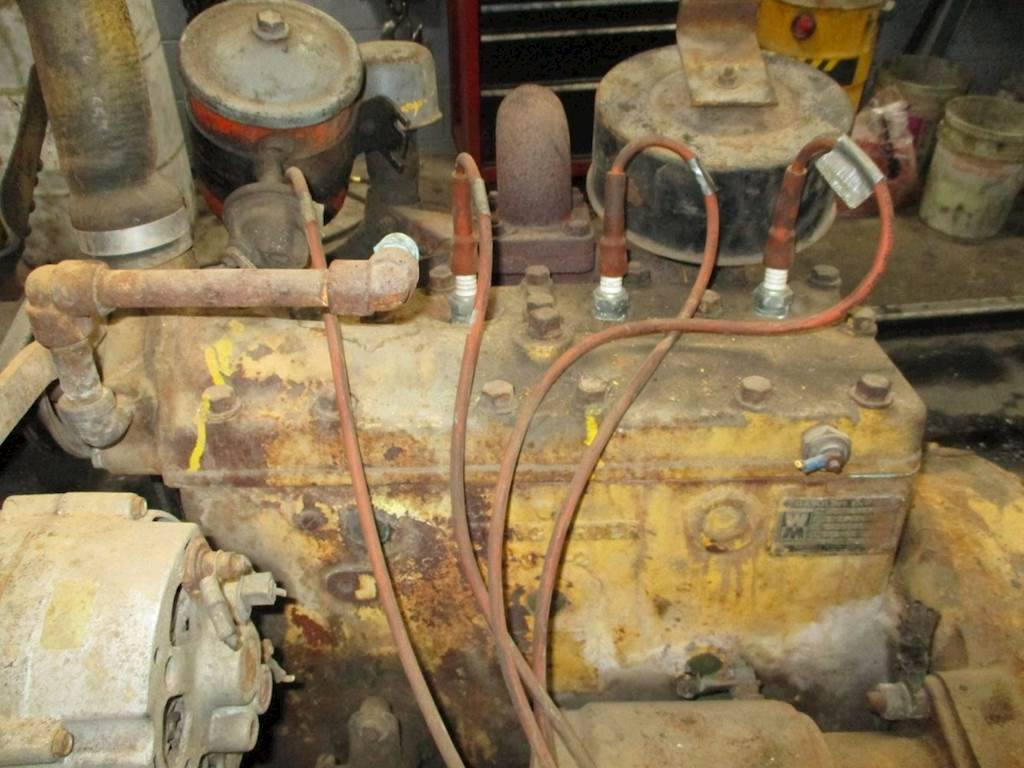 AllIs Chalmers Forklift Engine, Built By Waukesha Motor Company  ThIs Motor  Is For Sale | Kankakee, IL | P-4950 | MyLittleSalesman com