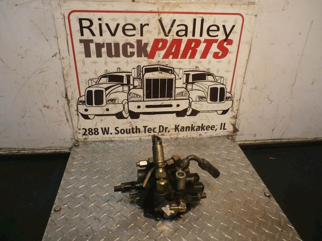 Used HydrAulic VAlve Off Of A ToyotA Forklift, Model 42-6FGCU25  PArt Is In  Good
