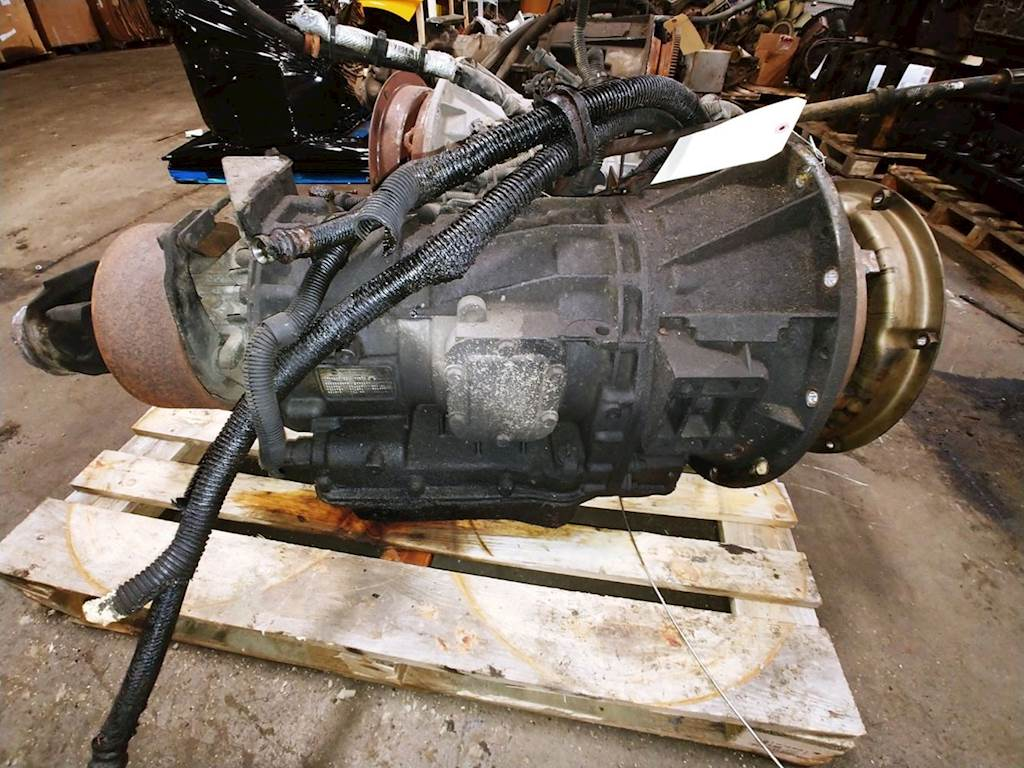 Allison 2000 Transmission for a 2003 Freightliner FS65 Chassis