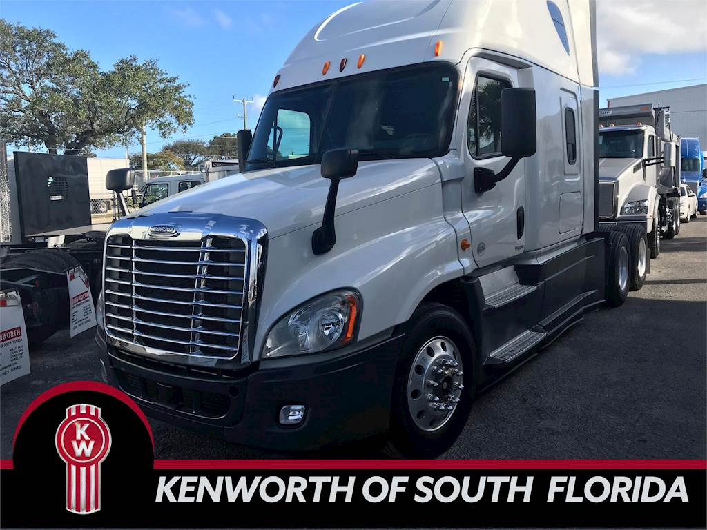 2014 Freightliner Cascadia 125 Evolution Sleeper Semi Truck, Detroit DD15,  455HP, AMT For Sale, 703,155 Miles | Fort Lauderdale, FL | UESFX5822 |
