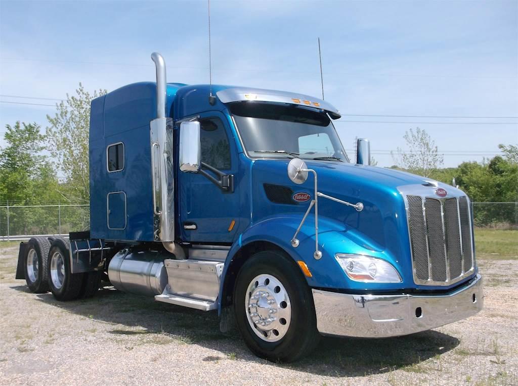 2015 Peterbilt 579 Sleeper Semi Truck, Paccar MX-13, 455HP, Manual