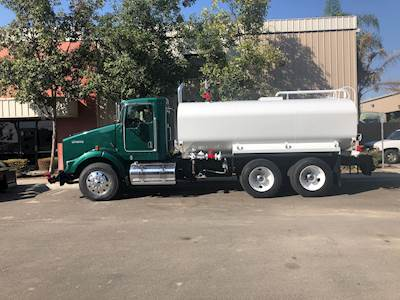2011 Kenworth T800 Water Truck - 3750 Gallon Tank, 8 Compartments