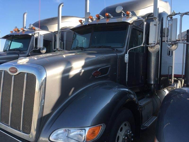 2007 Peterbilt 386 Sleeper Semi Truck, Caterpillar C15, 550HP, Manual