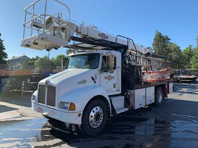2000 Kenworth T300 Sign Crane Truck - Elliott ECL-3-55 Crane/Manlift
