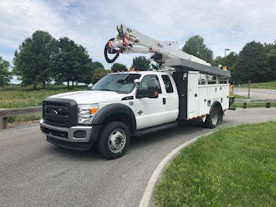 2012 Ford F-550 4x4 Bucket Truck with Altec AT40G 45' Lift