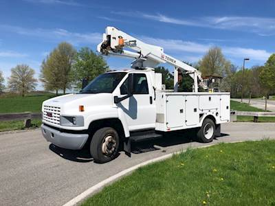 Used Bucket Trucks For Sale >> Boom Bucket Trucks For Sale Mylittlesalesman Com