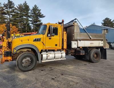 2009 Mack GU712 Plow / Spreader Truck