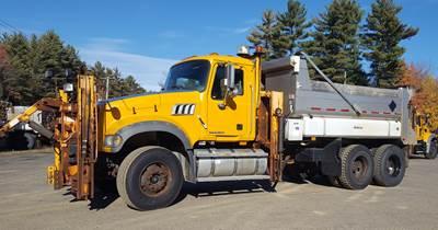 2009 Mack Granite GU713 Dump Truck