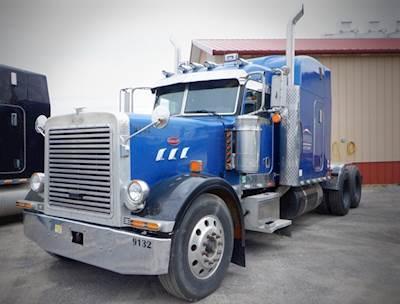 2005 Peterbilt 379 Hauler Truck