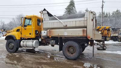 2006 Mack Granite CV712 Plow / Spreader Truck