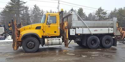 2007 Mack Granite CV713 Plow / Spreader Truck