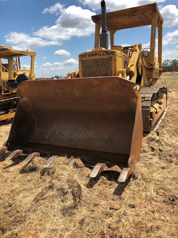 1973 Caterpillar 977L Crawler Loader with Bucket