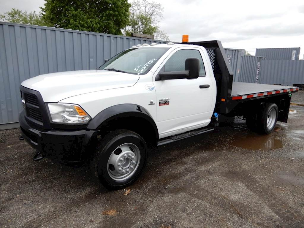 2012 dodge ram 4500 single axle flatbed truck  automatic for sale  82 601 miles