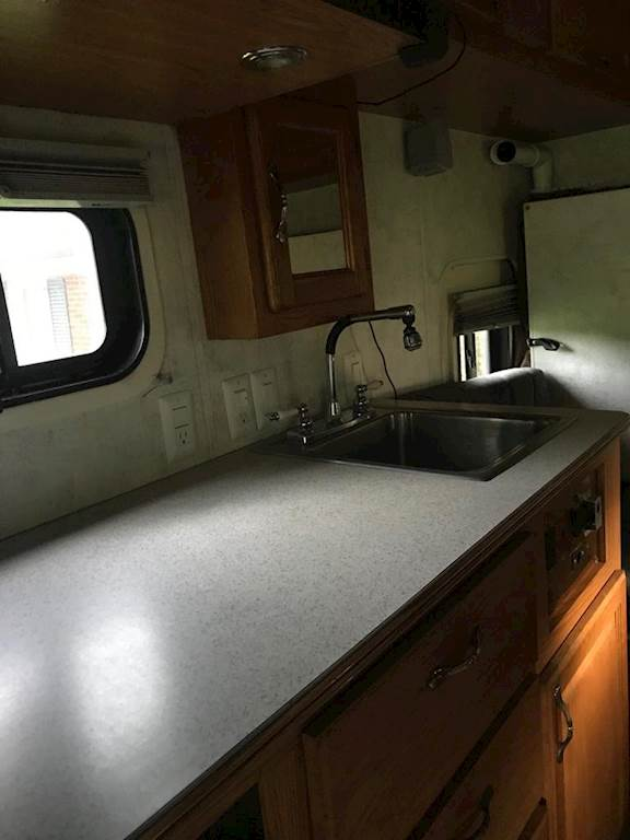 2007 Volvo VNLT64 Semi Truck w/ Custom ICT Sleeper/Bathroom and 53' Wabash  Dry Van Trailer For Sale, 1,000,000 Miles | Nashville, TN | 9771647 |