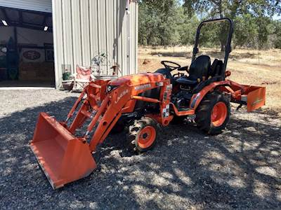 2018 Kubota B2601HSD 4WD Tractor with 48