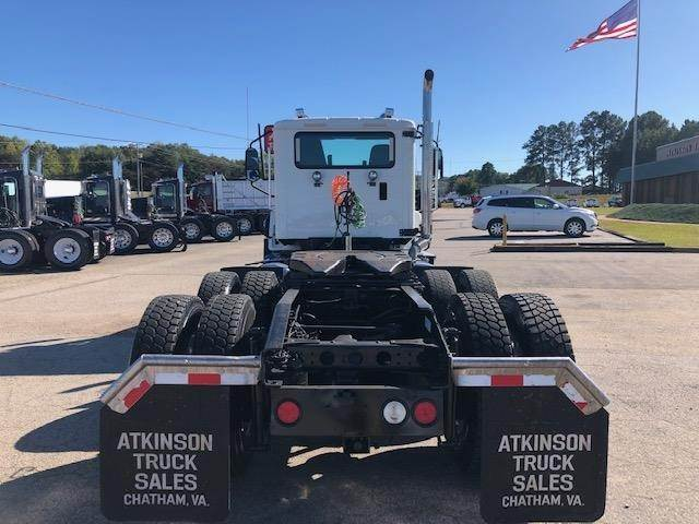 2016 Caterpillar Ct660s Tandem Axle Day Cab Truck
