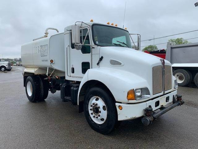 Manual Trucks For Sale >> 2005 Kenworth T300 Single Axle Water Truck Caterpillar C7 250hp Manual For Sale 21 899 Miles Chatham Va 113690 Mylittlesalesman Com