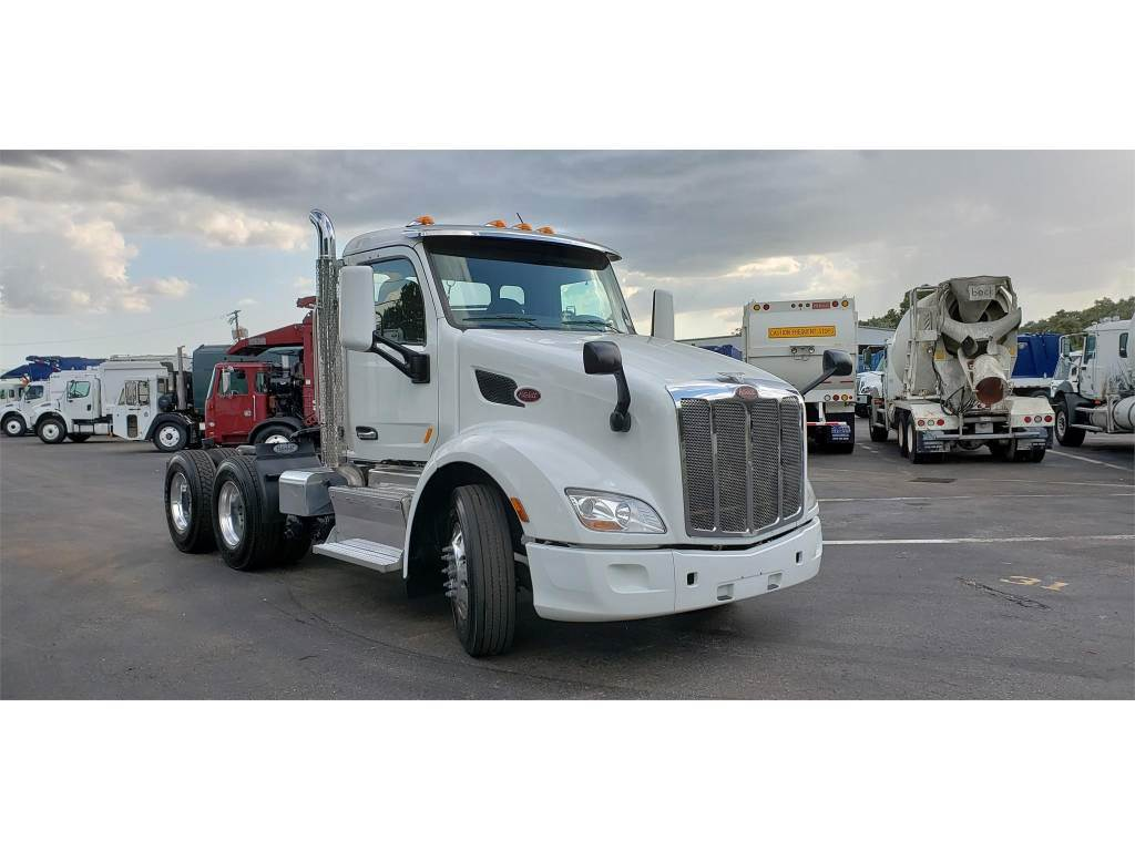 2016 Peterbilt 579 Day Cab Truck For Sale 710 309 Miles Tampa Fl T19c0162 Mylittlesalesman Com