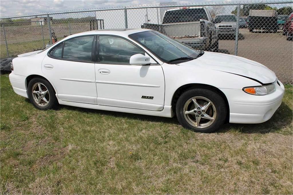 2001 pontiac grand prix gtp sedan for sale 183 160 miles philadelphia pa 10284976 mylittlesalesman com 2001 pontiac grand prix gtp sedan for