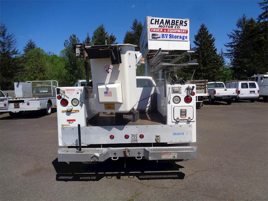 2000 Ford F-450 Boom / Bucket Truck, Automatic with Telsta A28D Aerial Lift