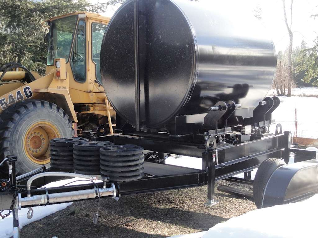 2017 1000 gallon liquid asphalt calibration tank trailer