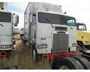 Freightliner FLA6364T Cabover Day Cab