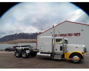 Peterbilt 379 Conventional Sleeper