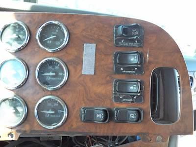 2005 Peterbilt 379 Dash Assembly