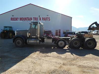 1987 Peterbilt 379 Tri Axle Day Cab Truck, Caterpillar 3406C, Manual