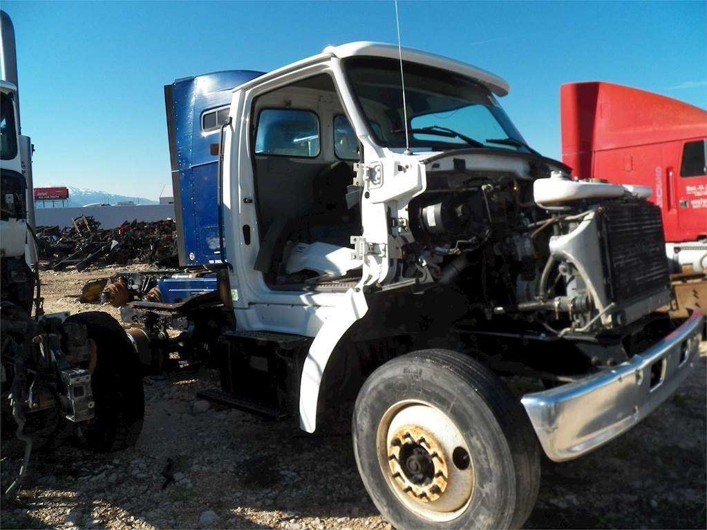 1999 Sterling L7500 Day Cab Semi Truck For Sale