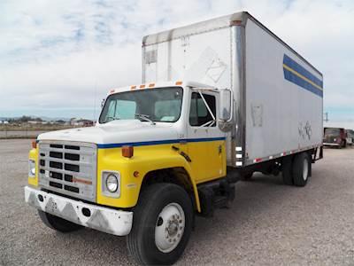 1989 International S1900 Box Truck