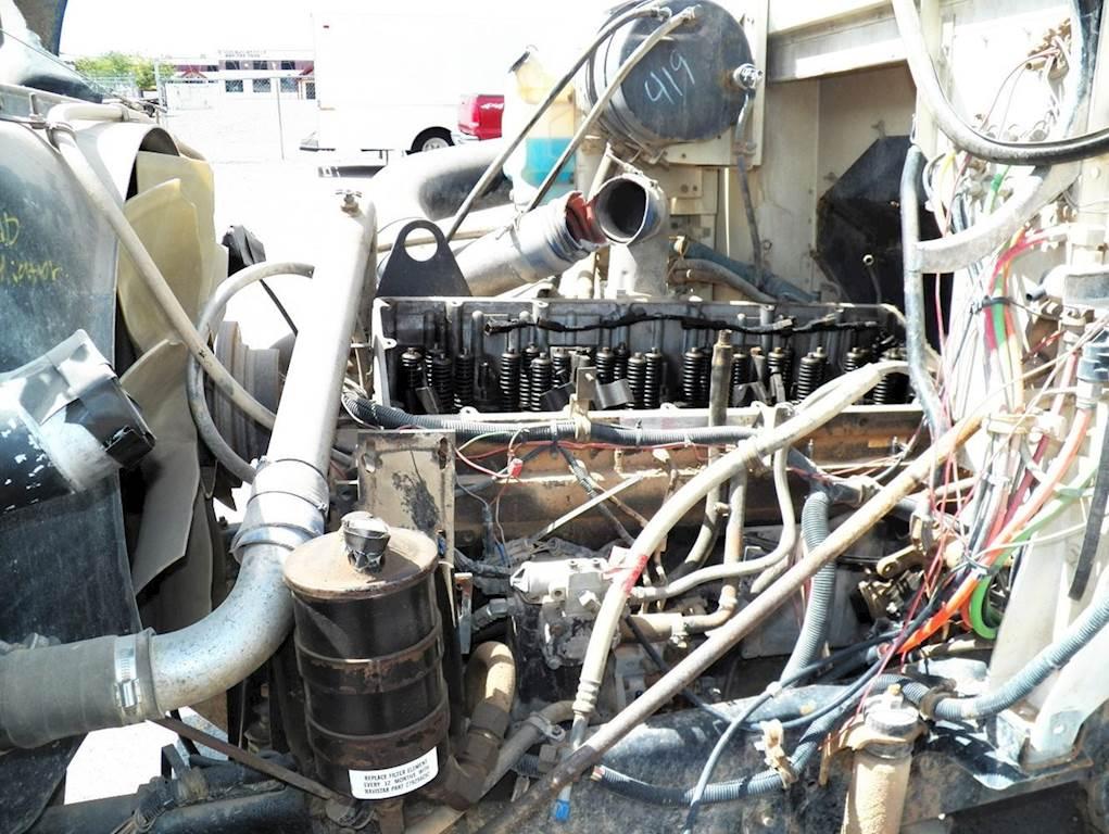 Cummins M11 Engine for a 1995 International 9200 For Sale