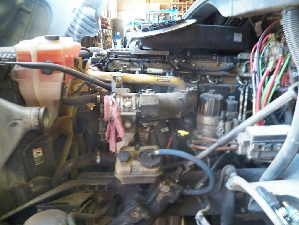 Detroit DD15 Engine for a 2011 Freightliner Cascadia 125 For