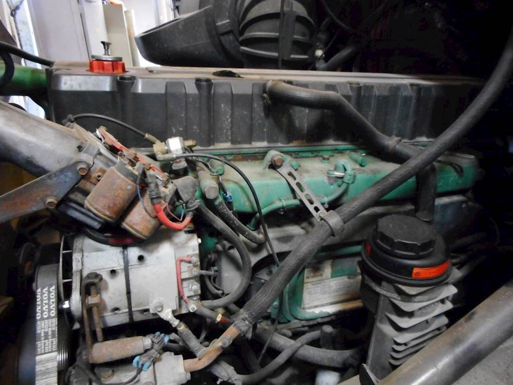 Volvo D12 Engine For A 2001 Volvo Vnl For Sale