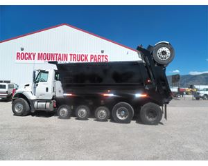International 7700 Heavy Duty Dump Truck