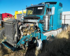 Kenworth W900L Truck Part