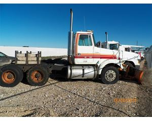 Volvo ACL64FT Plow / Spreader Truck