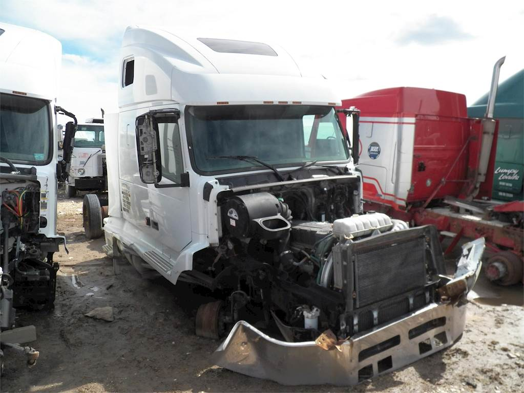 Volvo Semi Truck Parts >> 2001 Volvo Vnl64t660 Sleeper Semi Truck For Sale Farr West Ut