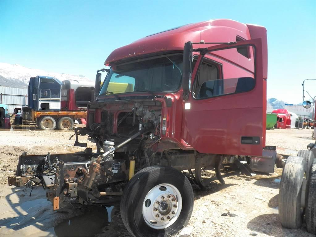 Volvo Semi Truck Parts >> 2000 Volvo Vnl64t660 Sleeper Semi Truck For Sale Farr West Ut