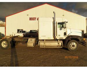 Freightliner FLD11242ST Sleeper Truck