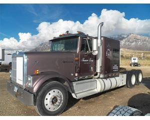 International 9300 Sleeper Truck