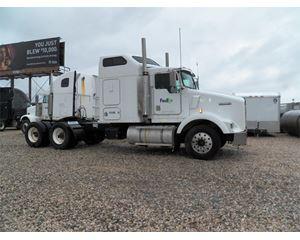 Kenworth T800B Sleeper Truck