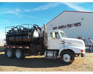 International 9200 Vacuum Tank Truck