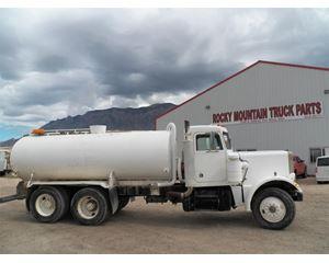 Peterbilt 359 Water Tank Truck