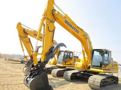 2017 Komatsu PC210LC-11 Excavator