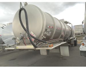 Polar 8,800 Gallon Semi Crude Oil Tank Trailer