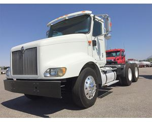 International 9200i Day Cab Truck