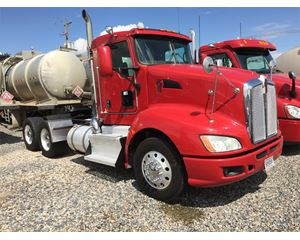 Kenworth T660 Day Cab Truck