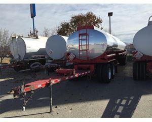 Heil 8,000 gallon Pup Gasoline / Fuel Tank Trailer